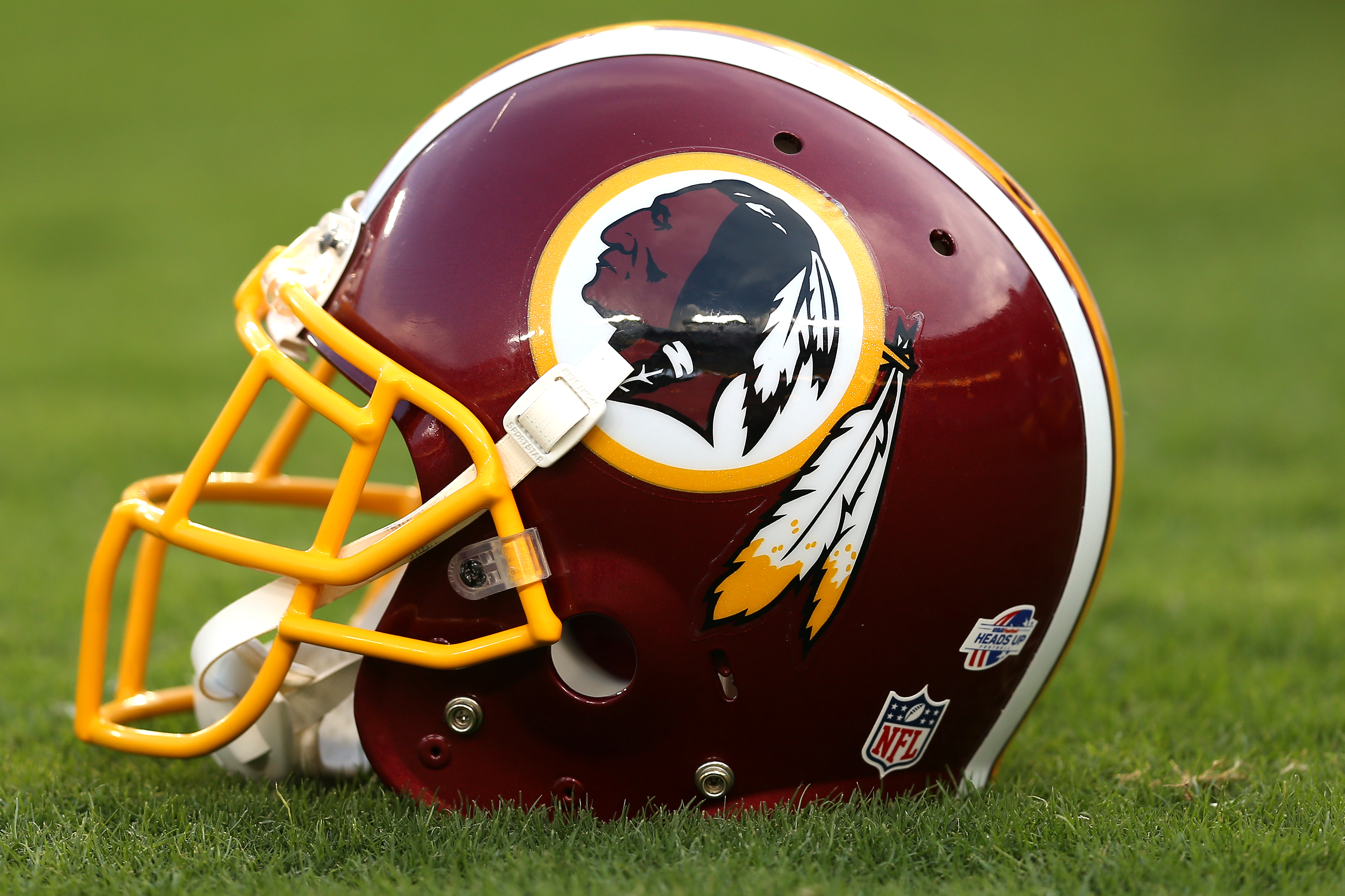 Redskins mystery wait a second wheres terrell mcclain landover md september 03 a detailed view of a washington redskins helmet before the washington redskins play the jacksonville jaguars at fedexfield on voltagebd Images